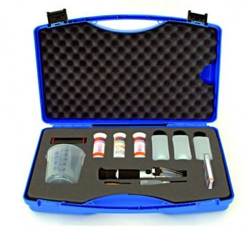 Pflegekoffer mit Handrefraktometer